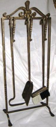 Кованый инструмент из трех предметов.